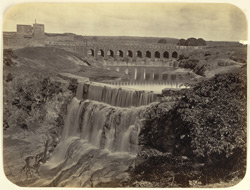 [View of the falls near the bridge leading to Asaf Jah's fort, Ajanta]
